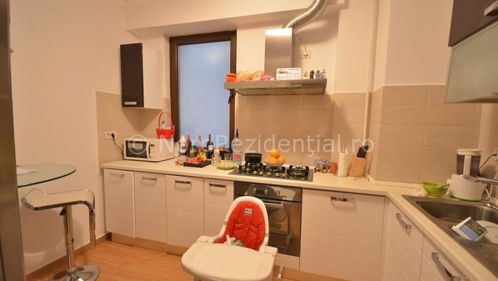 Apartament de vanzare 3 camere Nordului 4